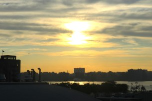 Beatiful sunset views at the end of the High Line Park